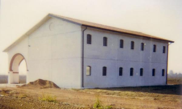 Prefabbricati franzin immagine capannone agricolo a for Piani prefabbricati